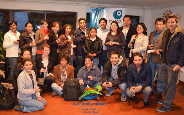 Group photo from Climate Change Impact Evaluation course in La Paz, January 2013